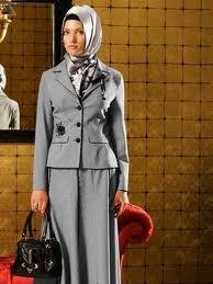 sekretaris-kantor-jilbab-1
