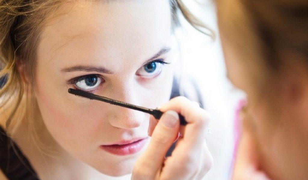Cara Makeup Untuk Acara Formal