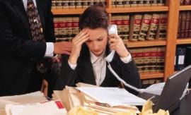 sekretaris-kerja-overload